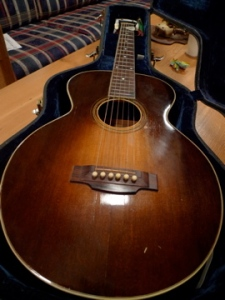 A beautiful lat '20s Gibson L-1 with a rubbed sunburst that I encountered this weekend.